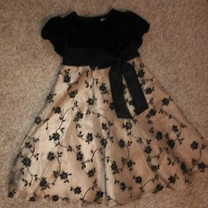 Party holiday dress sz 5 Rare Editions